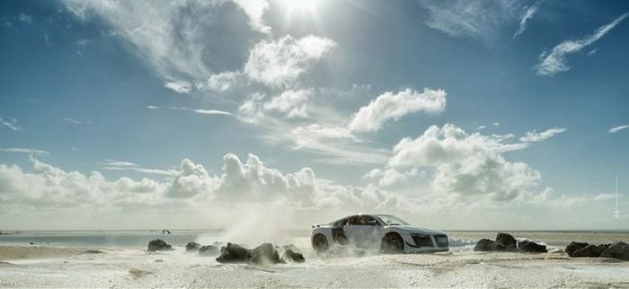 Фотограф сделал рекламные снимки Audi R8 с помощью игрушечной модели
