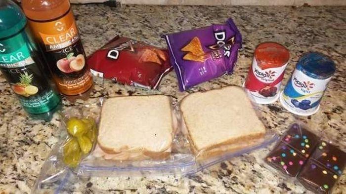 Школьник тайно кормил друга из бедной семьи своими обедами (3 фото)