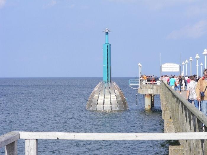 Первый в мире подводный лифт