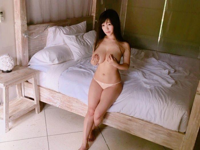 Очаровательная японская модель косплея Джун Амаки