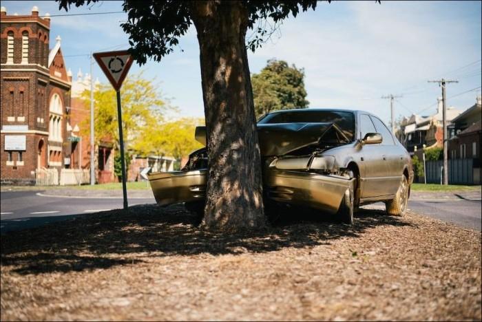 В Мельбурне Тойоту Камри покрасили золотой краской