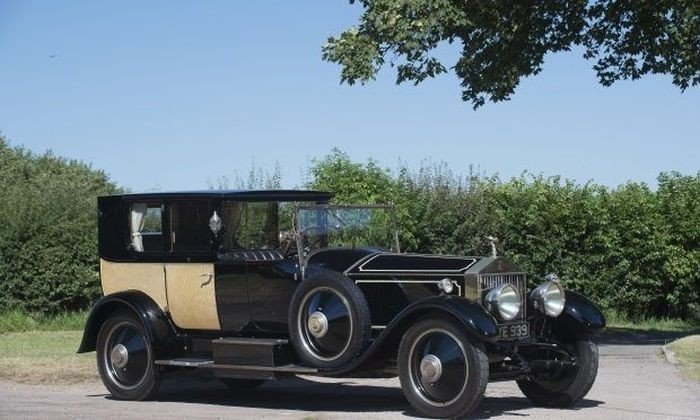 Rolls-Royce Phantom I, интерьер которого не уступает дворцовой роскоши