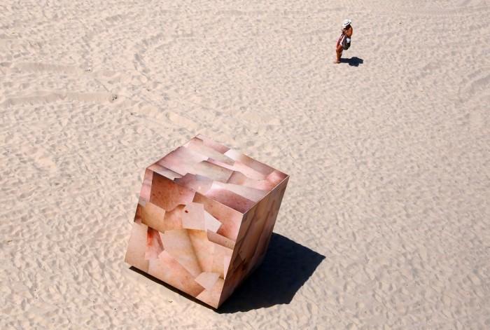 """Скульптуры у моря на выставке """"Sculpture by the Sea"""""""