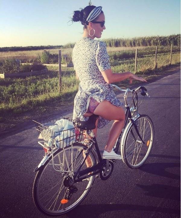 Сексуальные велосипедистки