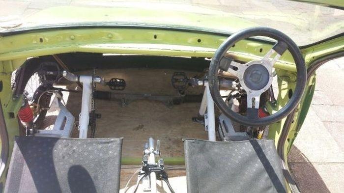 Автомобиль на педальной тяге
