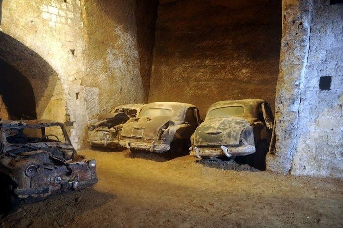 Необычная штрафстоянка в центре Неаполя