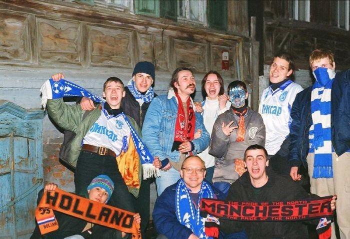 Российские футбольные фанаты 90-х (17 фото)