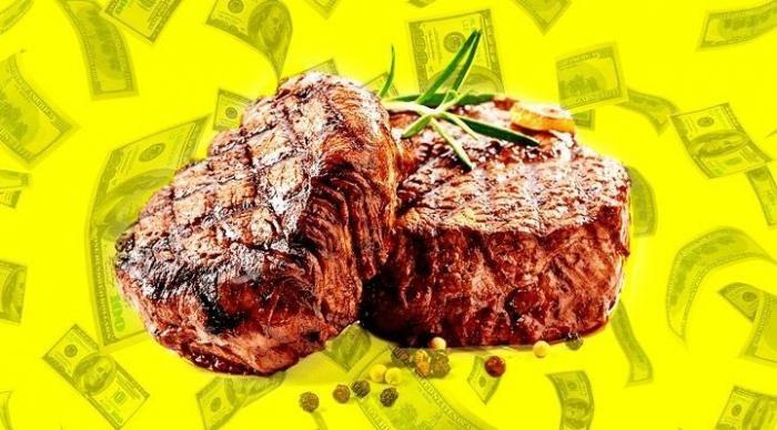 Женщина выиграла $ 43 млн в казино, но вместо этого ей предложили бесплатный ужин (2 фото)