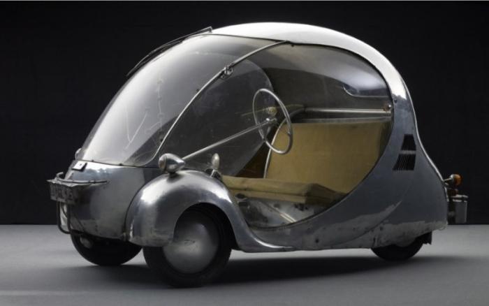 Футуристический миниавтомобиль в форме яйца (7 фото)