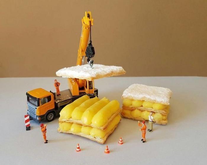 Миниатюрные человечки в мире гигантских десертов (15 фото)
