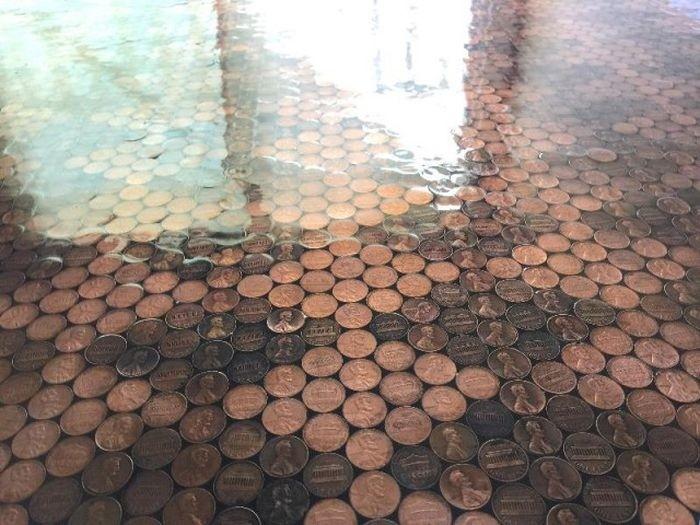 Монетный пол