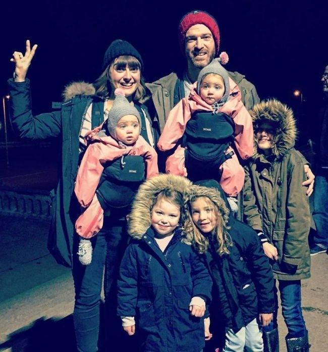 Отец 4-х дочерей покорил социальные сети своими правдивыми фото