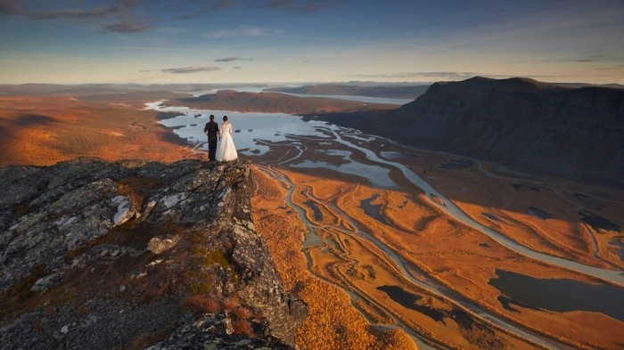 Потрясающие снимки невесты среди горных пейзажей