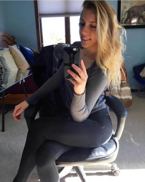 Спортивные девушки в обтягивающих штанишках