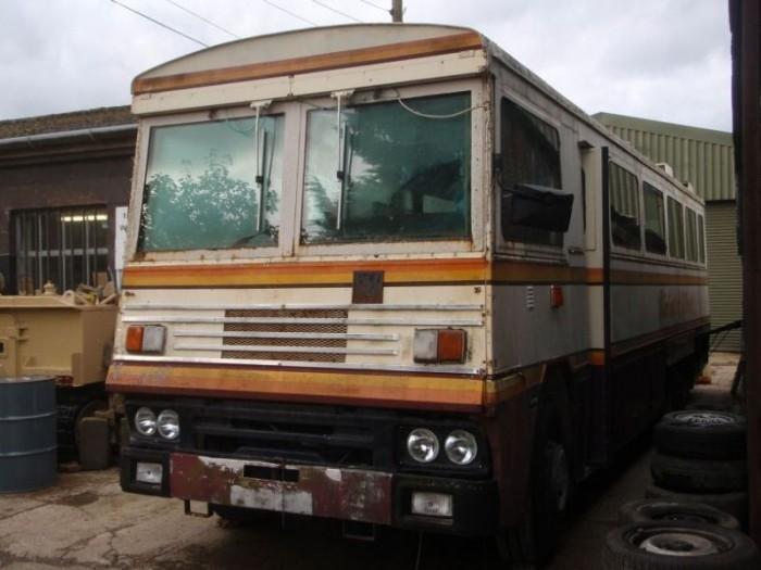 Автобус Маргарет Тэтчер, способный выдержать взрыв бомбы и химическую атаку