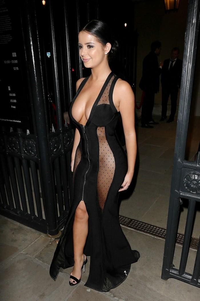 Деми Роуз в сексуальном платье