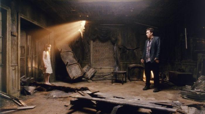 Самые пугающие дома в фильмах ужасов (10 фото)