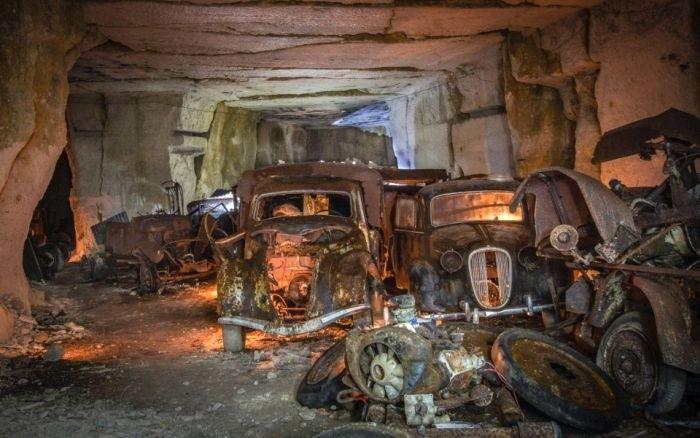 Во Франции обнаружены спрятанные от немцев довоенные авто