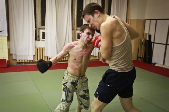 Подпольный бойцовский клуб в Москве (11 фото)