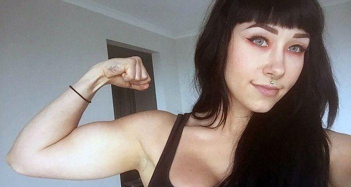 Девушка победила анорексию с помощью бодибилдинга