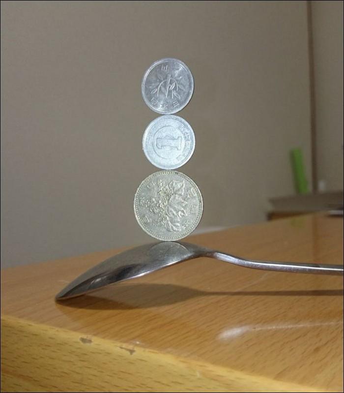 Невероятные фигуры из монет