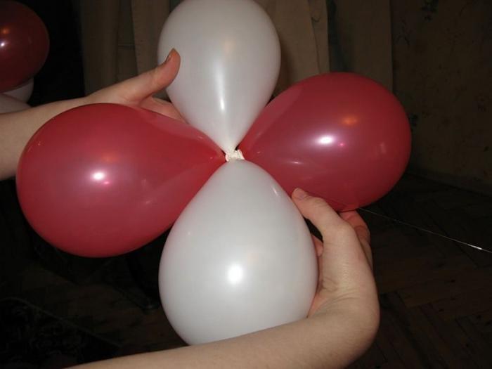Как сделать гирлянду из воздушных шаров