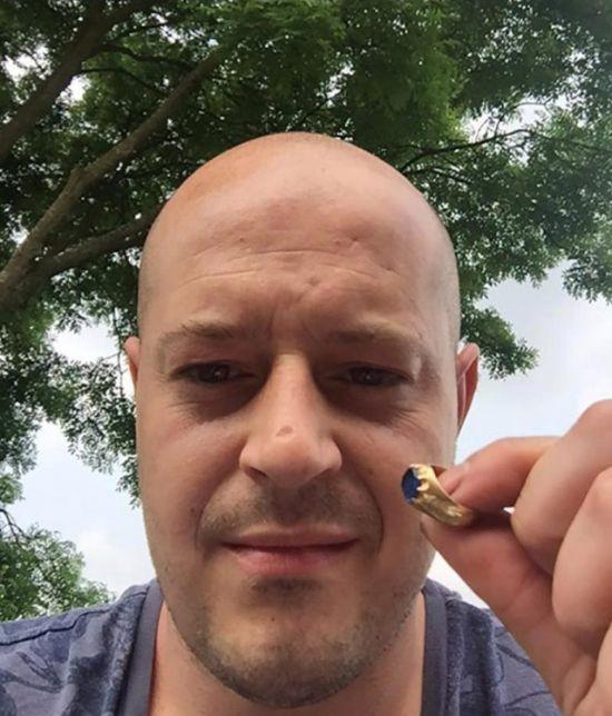 Кладоискатель нашел «кольцо Робина Гуда» в Шервудском лесу (4 фото)