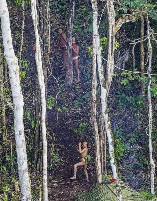 Современное племя, которое никогда не контактировало с внешним миром