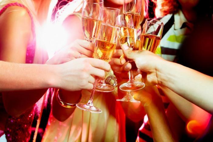 О чем нужно помнить, если вы празднуете Новый год не дома
