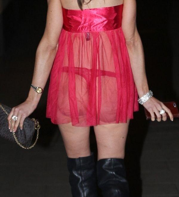 Модель Алишия Даувалл выбрала развратный наряд для вечеринки