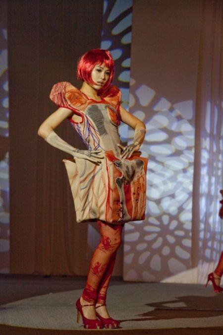 Прикольные платья в стиле анатомии (5 фото)