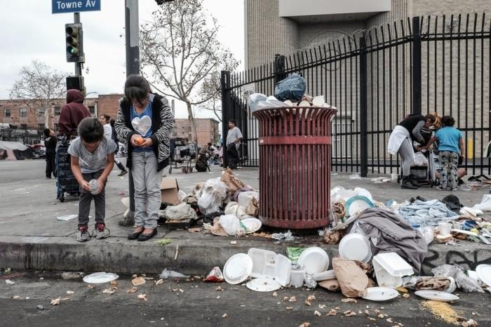 Рождество в трущобах Лос-Анджелеса