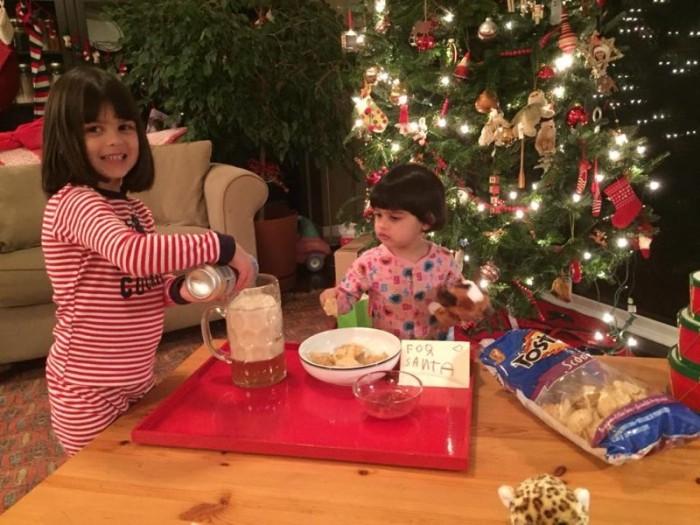 Забудьте о молоке с печеньем пива и чипсов Санта-Клаусу!