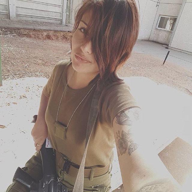 Очаровательные девушки на службе армии Израиля (31 фото)