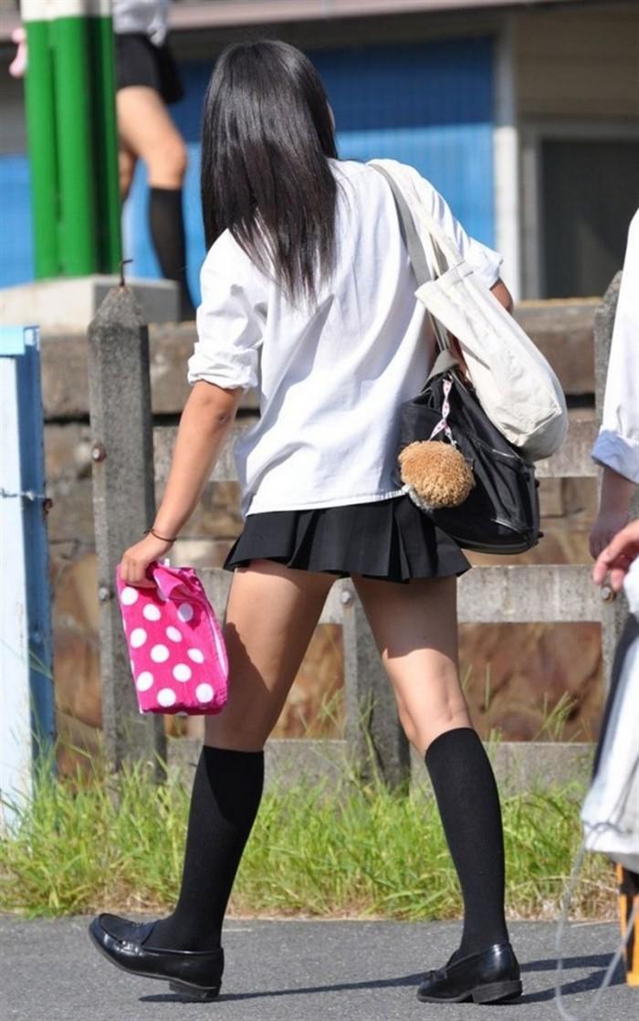 Длина юбок у японских школьниц