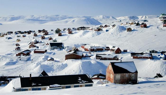 10 самых экстремальных мест планеты, где вынуждены выживать люди (10 фото)