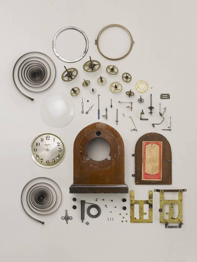 Приборы, разобранные по частям (9 фото)