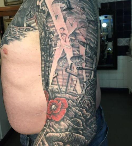 Новая татуировка поверх старой