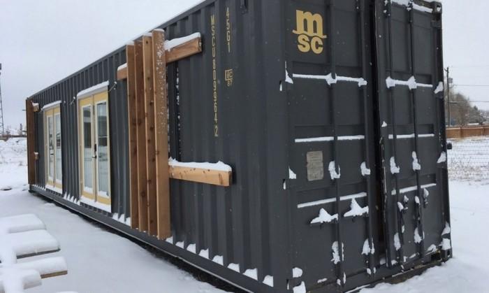 Домик из контейнера