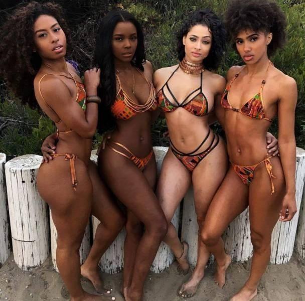 Групповые фото прелестных девушек