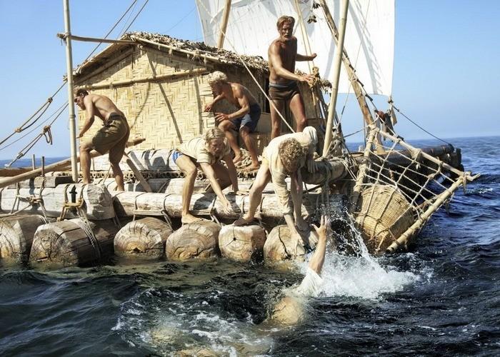 Яркие фильмы о путешествиях (11 фото)