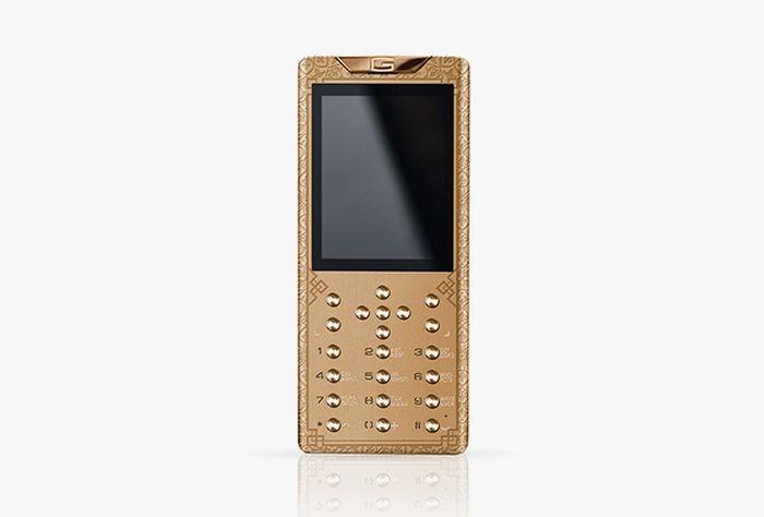 Православный смартфон за 1,5 миллиона рублей (2 фото)