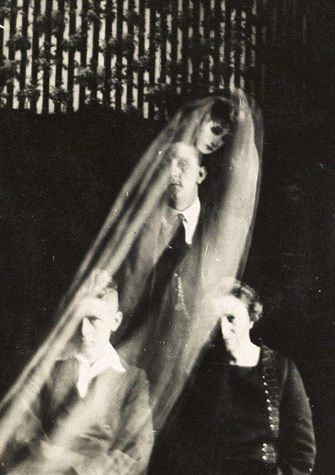 Фото «призраков» британского фотографа-спиритуалиста (22 фото)