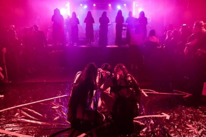 Крупнейший в истории Лос-Анджелеса сатанинской храм «black mass»
