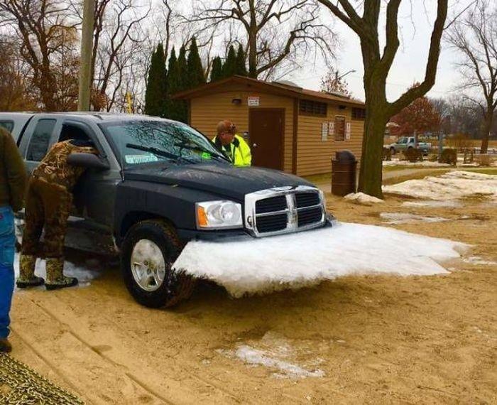 Замерзшие автомобили