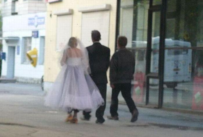 Какая-то странная свадьба (4 фото)