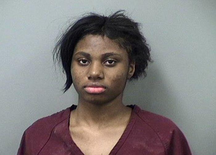 В США 17-летней девушке грозит пожизненный срок за изнасилование парня