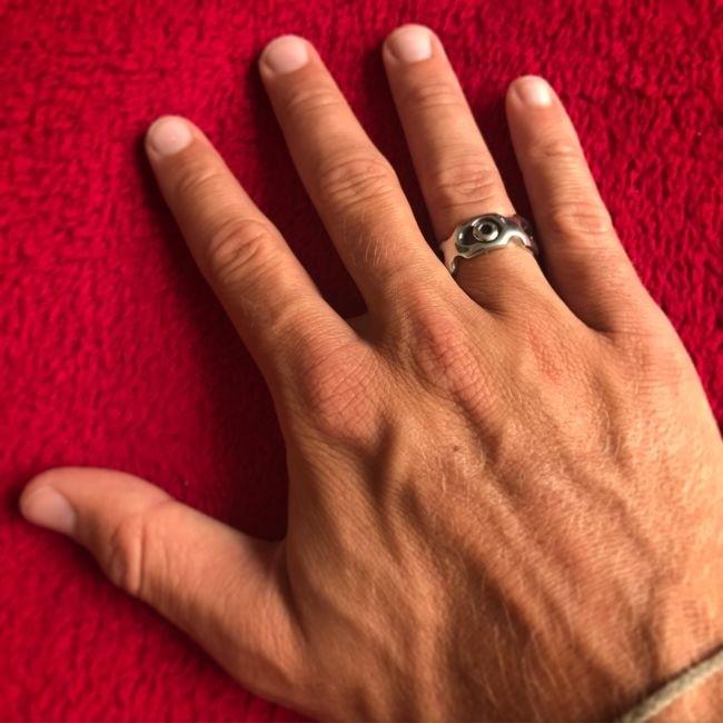 Необычное кольцо на память