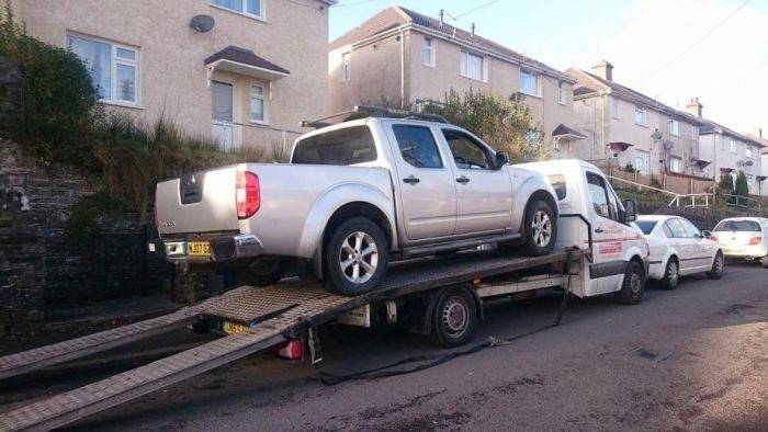 Британцы требуют отзыва ломающегося пополам пикапа Nissan Navara