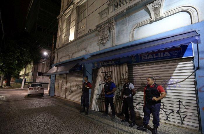 Забастовка полицейских в бразильском городе Витория (13 фото)